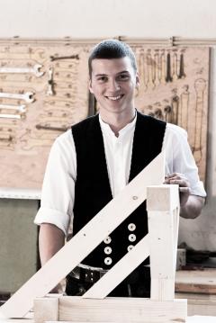 Holger Mayer, Zimmerer Auszubildender